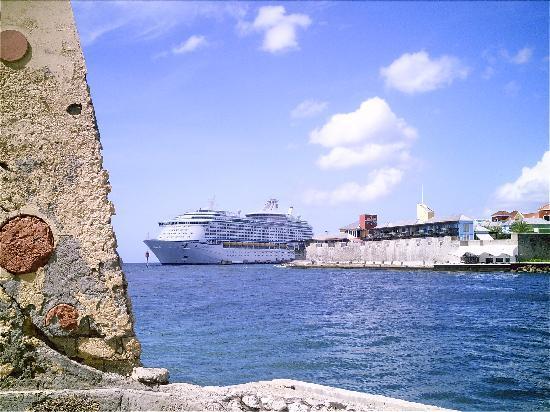 Marazul Dive Resort: Die größten Passagierschiffe der Welt