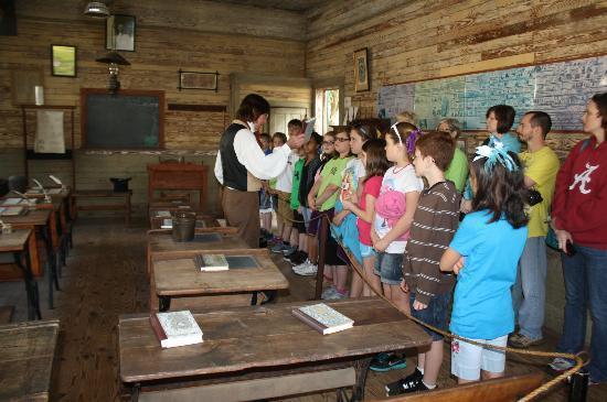 Монтгомери, Алабама: Great school teacher actor