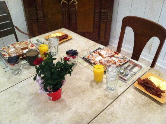 The Fernbrook Inn: French Toast Breakfast