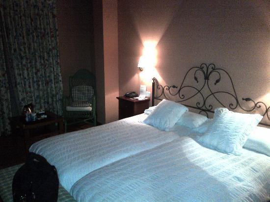 Hotel Mauberme: Habitacion