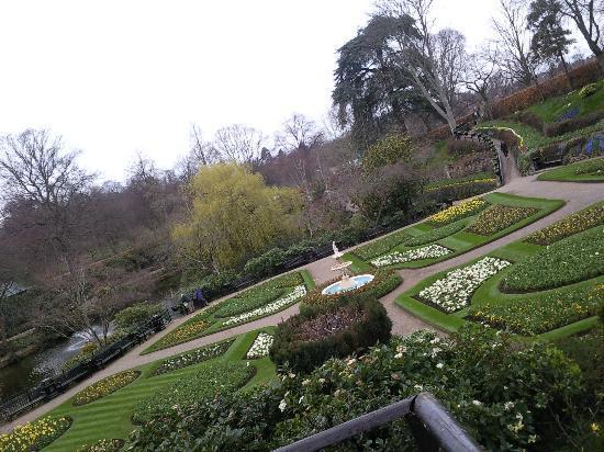 The Quarry: the gardens