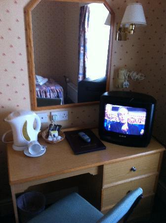 Hydro Hotel: Room 2