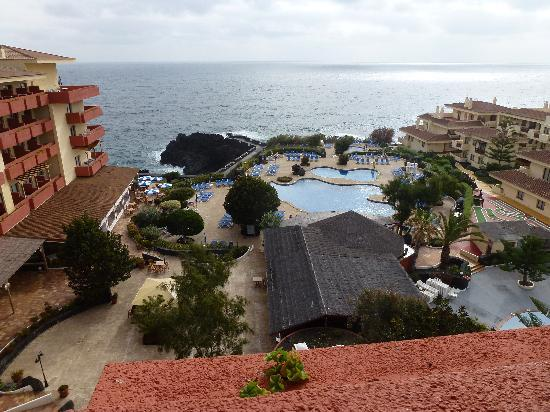 Playa de los Cancajos, España: Our view from the 4th.floor. Tenerife etc. in view when clear.