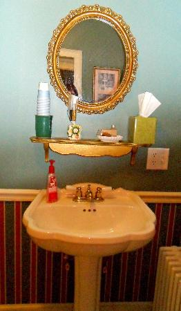 Waverly Inn: Bathroom