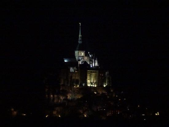 Ferme Saint Joseph: View from our window at night