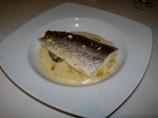 El Tunel : Merluza con parmentier de patata y verduritas - Restaurant EL TÚNEL - Lloret de Mar