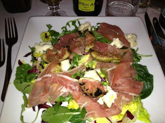Trattoria Fiat: Nice salad with burned figs