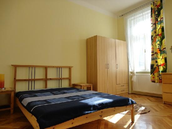 Honey Hostel Budapest: Two bed private