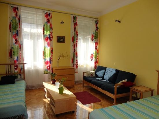 Honey Hostel Budapest: Private room for 2-3 people