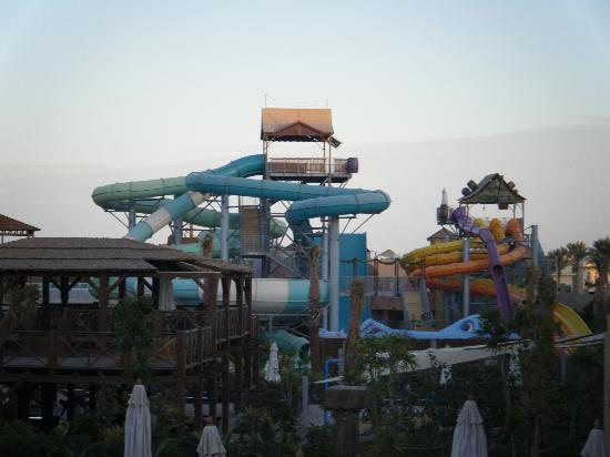 Coral Sea Aqua Club Resort: water slides