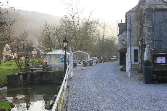 Le Moulin des Ramiers: the restaurant next door