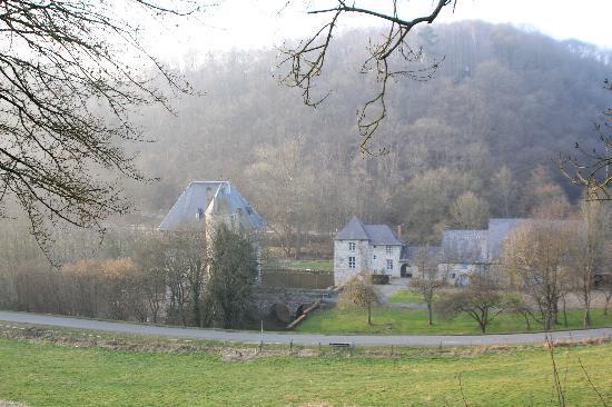 Le Moulin des Ramiers: the Chateau de Crupet