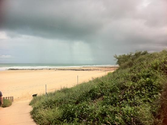 Mantra Frangipani Broome: Cyclone Lua on its way through Cable Beach