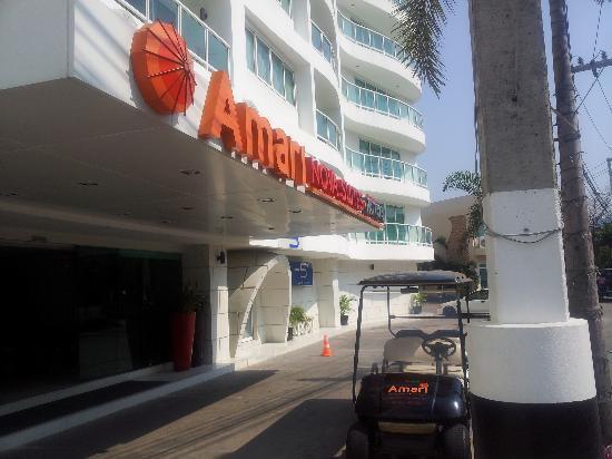 Amari Nova Suites Pattaya : the front of hotel