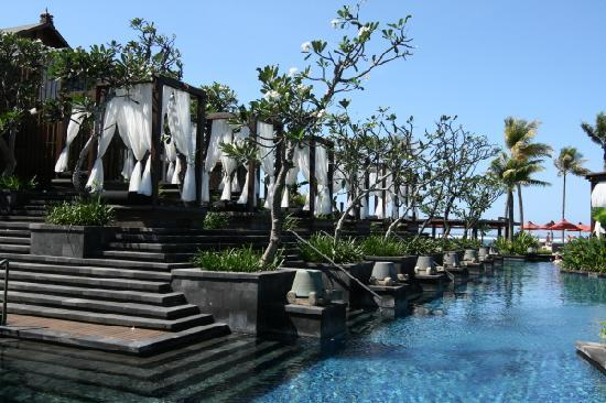 The St. Regis Bali Resort: Cabanas on the Poolsiide