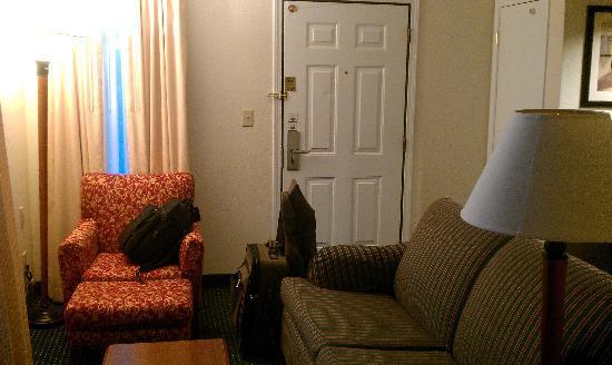 Residence Inn Providence Warwick: Living Room