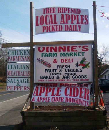 ‪Vinnie's Farm Market‬