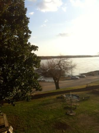 River Rose Inn B&B: View onto the Ohio river from balcony