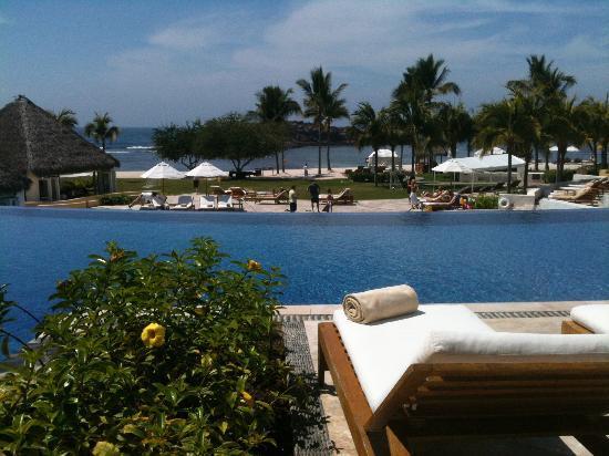 The St. Regis Punta Mita Resort: The pools are wonderful!