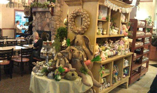 Kneaders Bakery: cute boutique holiday themed