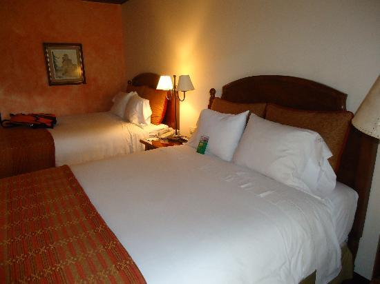 Porta Hotel Antigua : habitación