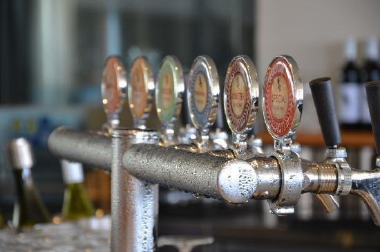 Eagle Bay Brewery: Beer Taps