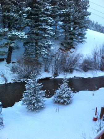 Best Western Rivers Edge: Right below our room