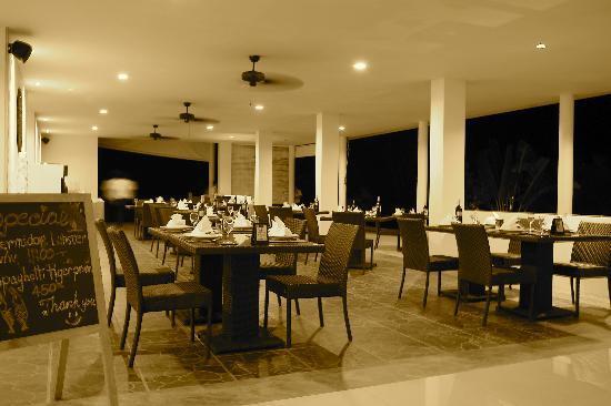 L'esprit de Naiyang Resort: Romantic Restaurant