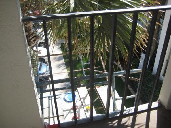 Palms at Seagrove : View of scaffolding from our front balcony taken Friday Mar 16