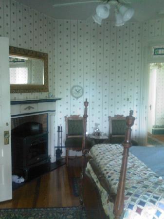 Killahevlin: Blue Room I selected, very nice!