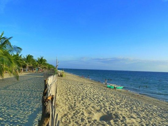 Luzon, Filippine: The beach