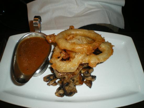 McLeary's: Steak Onion Rings & Pepper Sauce