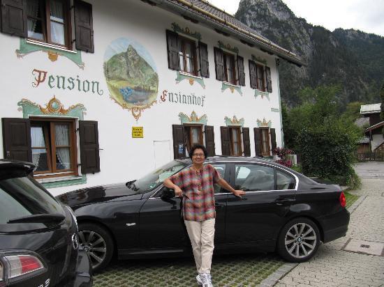 Pension Enzianhof: Parking is very convenient