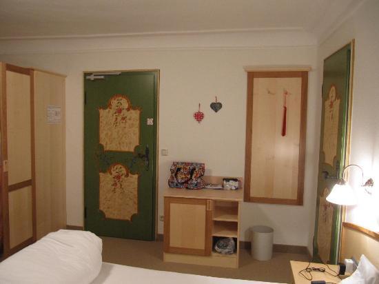 Pension Enzianhof: Our cozy room