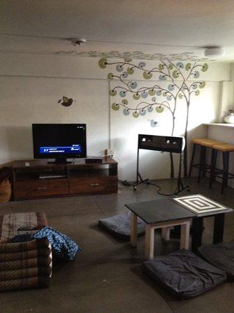 ชฎา โฮสเทล: lounge