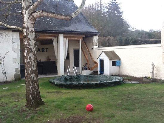 Villa Vino: clos et terrasse ext.