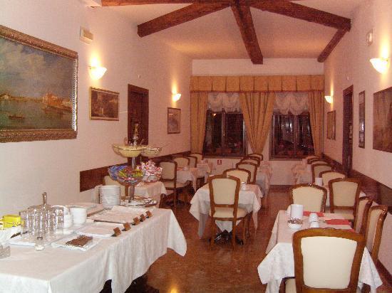 Palazzo Guardi: dinning room