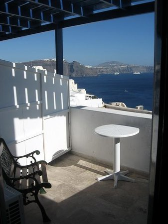 Stelios Rooms: The balcony of room #1