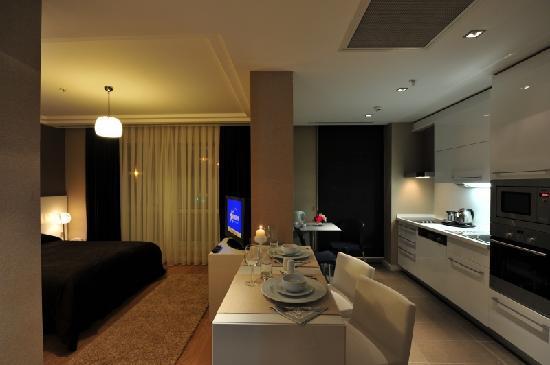 โรงแรม อวรูพาเรสซิเดนซ์สวีทส์: STANDARD SUITE ROOM