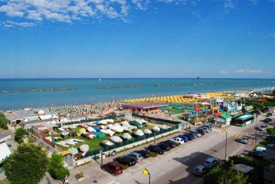 Lido adriano foto di family hotel marina beach lido - Bagno marina beach lido adriano ...