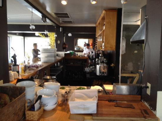 Francine Bistro : Things should be getting busy soon at Francine's.