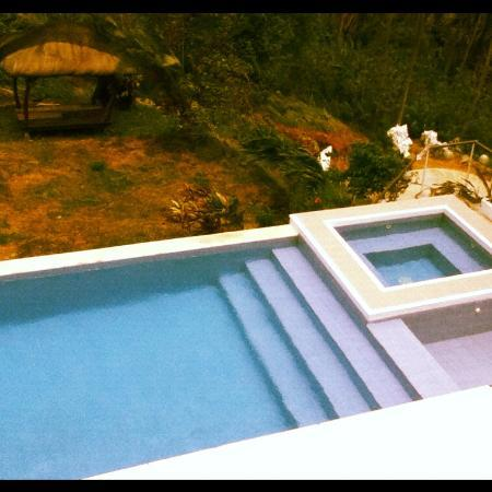 Amihan Del Sol: The Pool