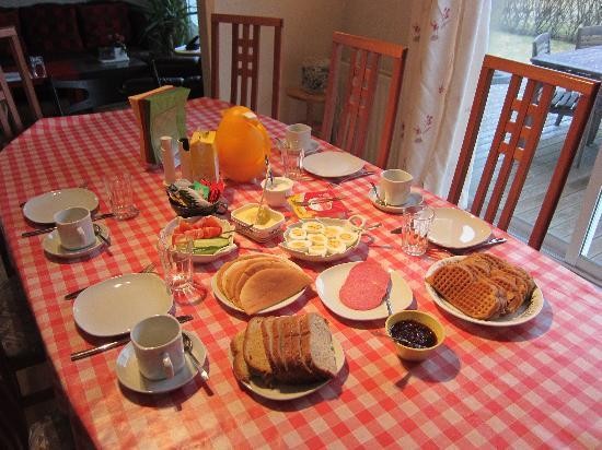 Guesthouse Nonni: yummy breakfast all homemade!!