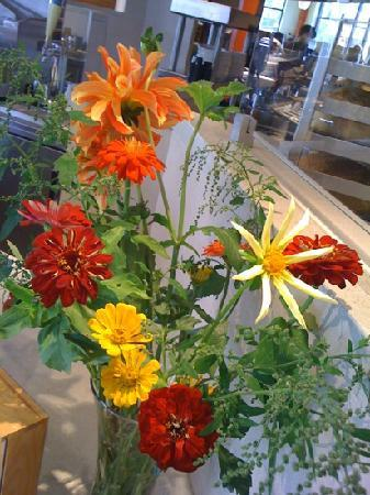 Northstar Cafe: beautiful local flowers, too