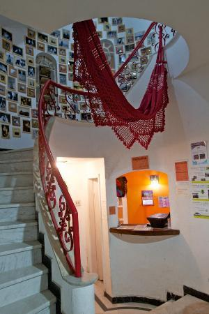 Lisetonga Hostel: Reception and Stairs