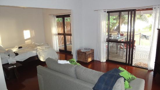 Vai Villas: Room
