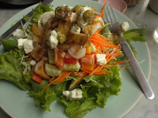 Ricky's Coffee Shop: chicken salad, fresh & flavourful