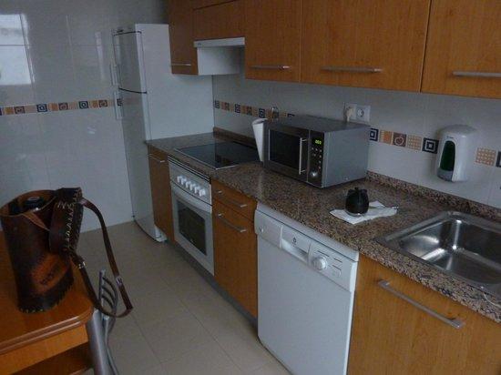 Apartamentos Turisticos Palafox: La cocina