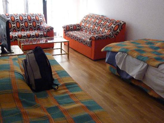 Apartamentos Turisticos Palafox: Una de las habitaciones