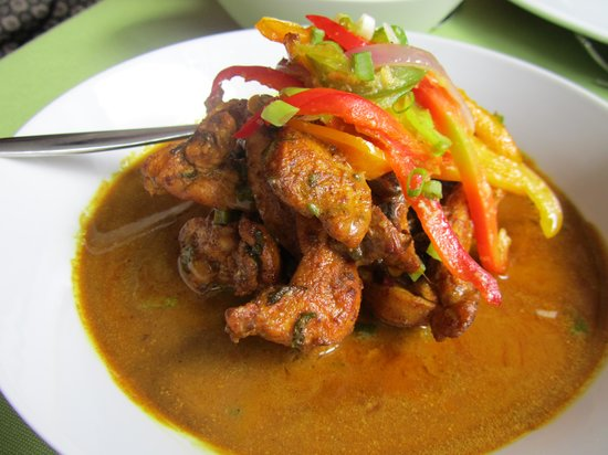 Chaud Creole: chicken curry